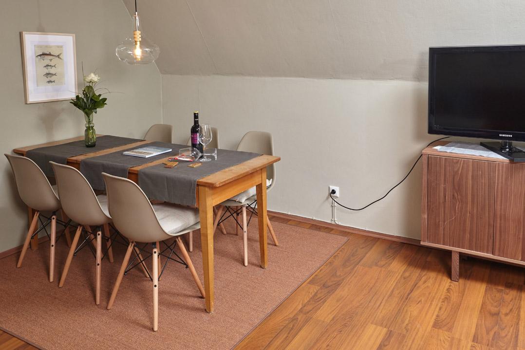 Wohnraum mit Esstisch